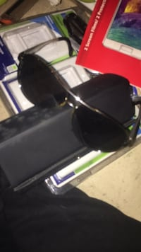 black and gray framed sunglasses Hamilton, L8H