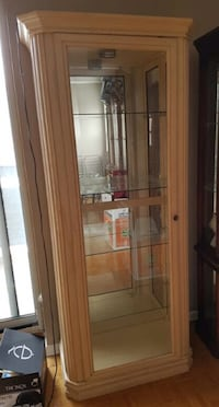 Display/curio cabinets in mint condition  Mississauga, L5W