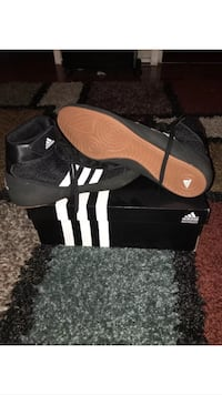 Men's Adidas Wrestling Shoes size 11.5 Vienna, 22181