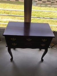 Beautiful Table with 2 draws  Safety Harbor, 34695