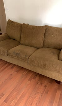 Couch Knoxville, 37918