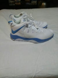 Blue white nike zoom rev II MENS size 13 Hagerstown, 21740
