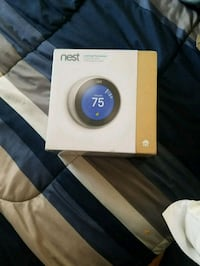 Nest Learning Thermostat with box Chantilly