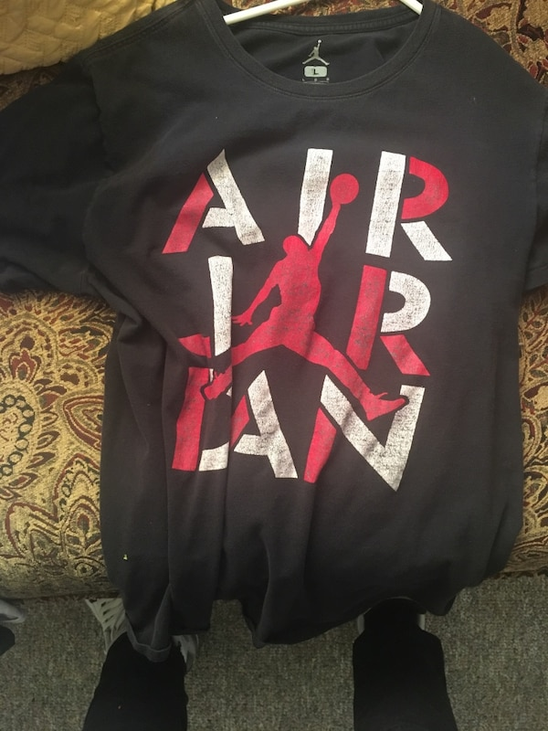 53bf6716be5a Used Air Jordan Shirt  2 L for sale in Sarasota - letgo
