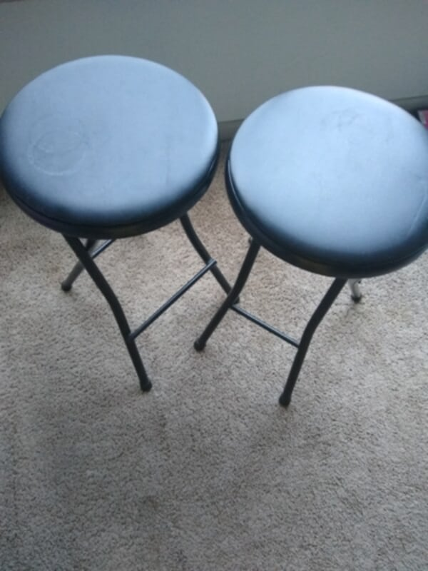 2 Stools in great condition. 43318d99-5213-45d4-b07c-89cb80e7a528