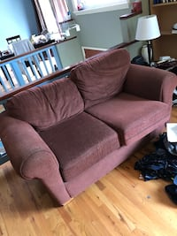 Two seat couch Victoria, V8N 5N6