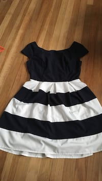 Navy and white stripe dress juniors size 7:8 North Augusta, 29841