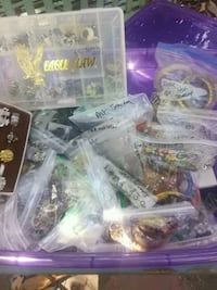 Assorted jewelry hundreds of pieces Chico, 95926