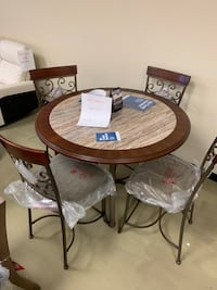 Dining room table set Counter height Jacksonville, 32216