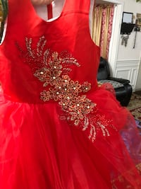 Girls red net embroidered front princess style umbrella style frock/dress size 4/5 years girls Woodbridge, 22192