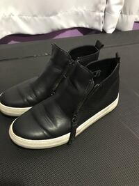 pair of black leather boots Longview, 98632