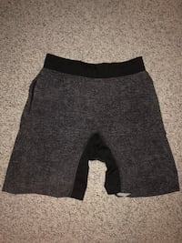 Men's Lulu lemon shorts size medium. Very good condition. Bethesda, 20816