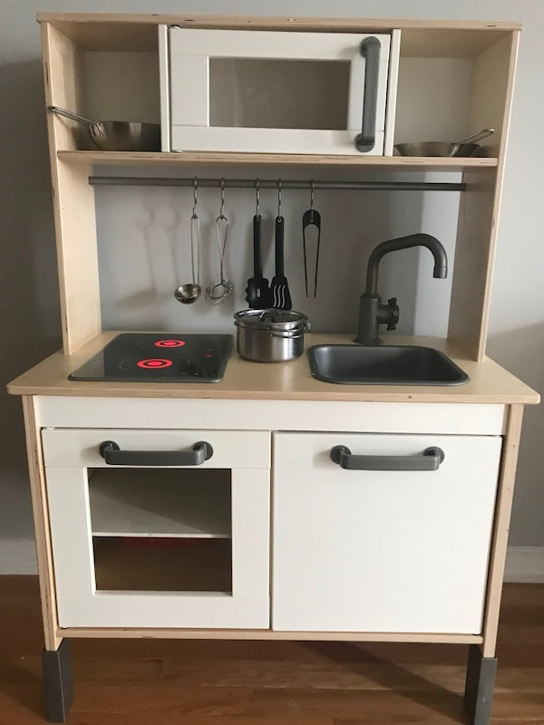 Kitchen play set for kids used for less than two months