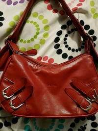 Fascino leather hand bag Toronto, M6L 1W3