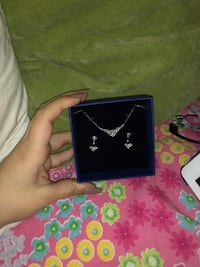 swarovski necklace and earring set Calgary, T3R 0P6