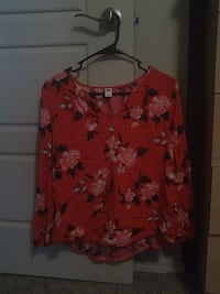 Old navy blouse Lubbock, 79424