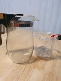 Tea-steeping pitcher (Great for loose tea!)