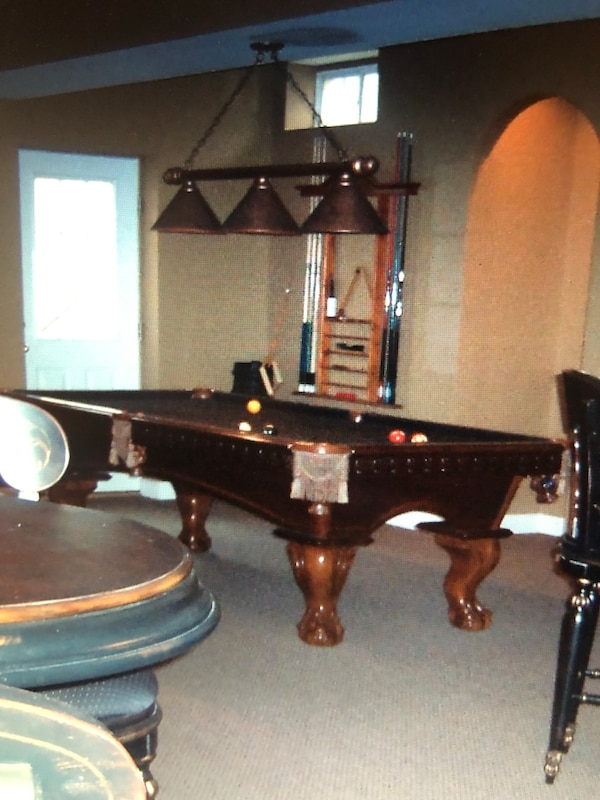 American heritage Pool table 38dc1b89-1be8-412f-808d-d7648d584018