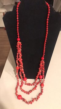 red and white beaded necklace Los Angeles, 91405