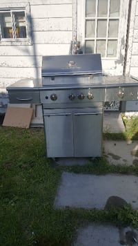 gray and black gas grill Hull