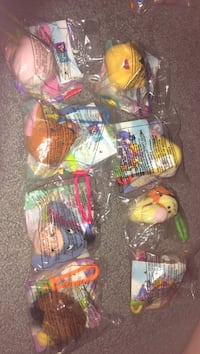 assorted color of plastic toys Ludowici, 31316