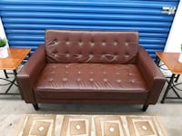 Leather Sofa turns to bed (Love seat) Mississauga, L5A 1Y5