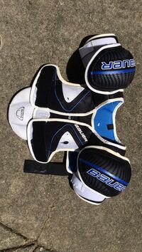 Females Bauer Shoulder Pads