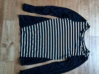 black and white striped long-sleeved shirt 572 km