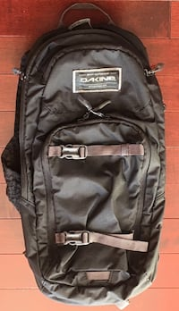 Dakine Backpack with 2L Hydration Pack Toronto, M1J 1A2