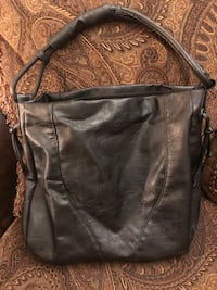 Black Leather Handbag Youngstown, 44514