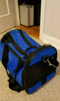 Dog travel bag up to 8 pounds .Perfect condition  Alexandria, 22307