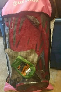 red and green plastic bag 4805 mi