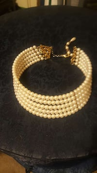Pearl Choker with Gold Accents Los Angeles, 90038