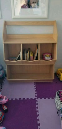 Toy storage shelf Langley, V1M 2H4