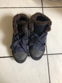Lacoste winter shoes size 6 Brampton, L6R 1J2