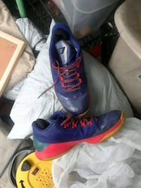 pair of blue-and-red Nike basketball shoes Columbus, 43213