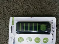 Universal Itek Portable charger (Great Condition)