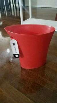 Red colored dustbin Edison