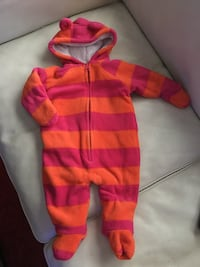 Very warm,size 3-6months very cute.just wash them never worn. Surrey, V3V