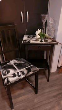 Marilyn Munroe chair and side table set.