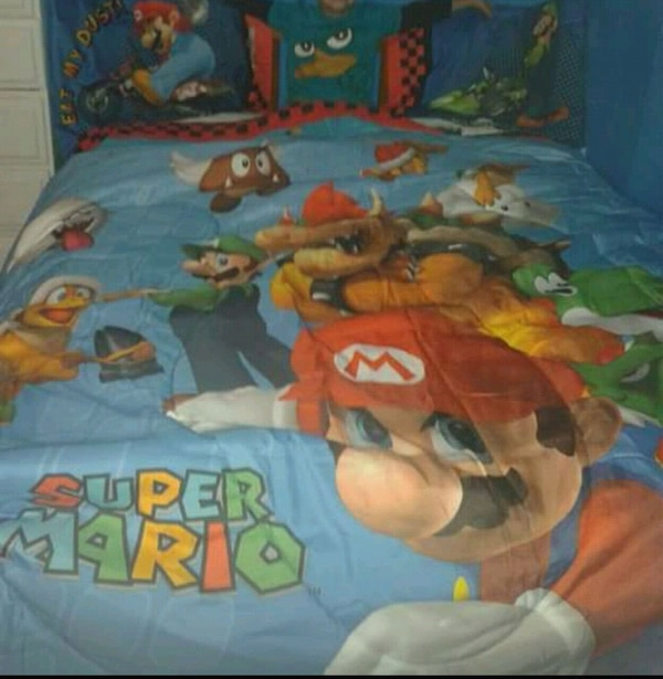Super Mario Brothers bed set (full size)