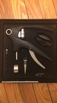 Brand new wine opener set!