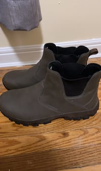 Colombia snow boots size 9