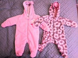 2x Carter'snter  fleece jumpsuit 0-3 and 3 months in as new condition.