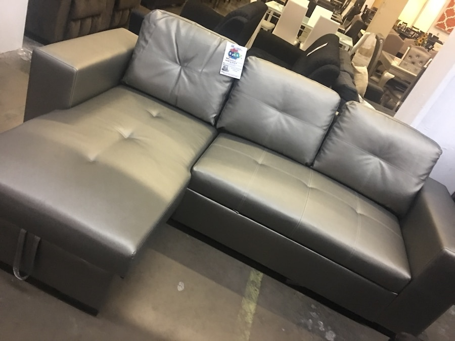 begagnad sectional with pull out bed reversible chaise with storage rh se letgo com
