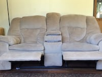 gray suede 3-seat recliner sofa Hanover Park, 60133