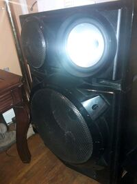 black and gray subwoofer speaker 47 km