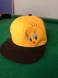 Yellow and black fitted cap