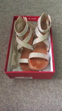 Sandals (special occasion shoes)  Dartmouth, B2X 3T2