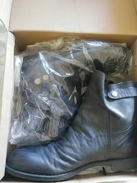 Brand New Black Leather Ankle Boots Palmdale, 93550